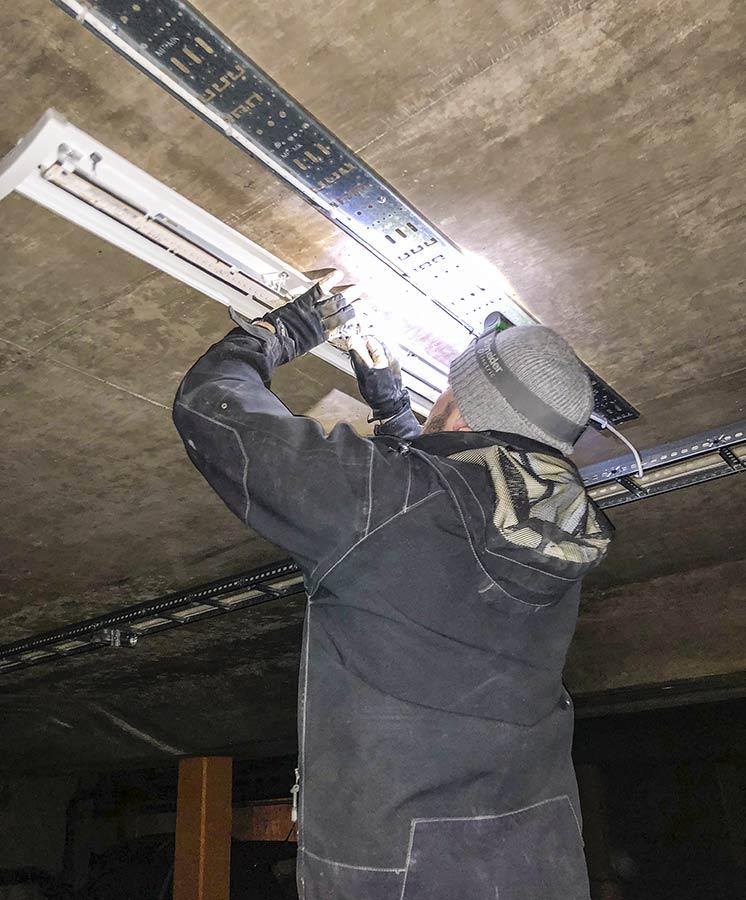 Floreas byter till energibesparande LED-belysning i BRF Breitenfelds garage.